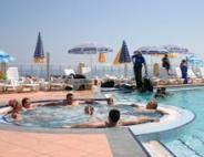 Завдяки доступності транспорту, можливі поїздки в аквапарк на вихідні з більшості міст України.